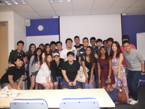FTDipGS14&15 marketing principle class (happy faces)