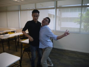 jason-tan-strongerhead-lecturer-fun-pic-with-curtin-students
