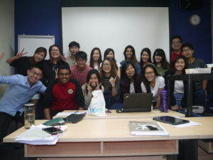jason-tan-lecturer-class-photo-with-bus382a